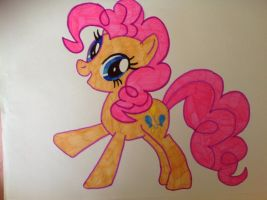 My Little Pony: Friendship is Magic - Pinkie Pie by Laura-Patricia