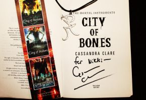 Cassandra Clare: Book Signing by collective-soul
