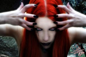 ~Vamp Eyes~ by trinilovechild