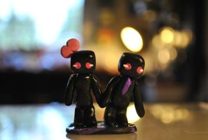 Minecraft Minis - Enderman Couple by SkyeDragons