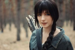 The Hunger Games:Katniss Everdeen(At home) by LisaOakwood