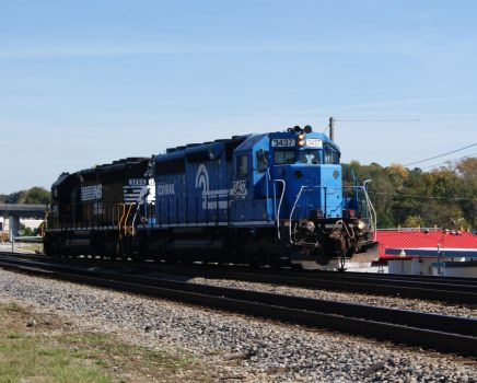 NS Conrail 3437 at Austell by JamesT4