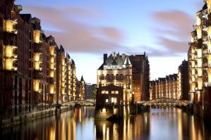 Speicherstadt Hamburg By night. by Meduana