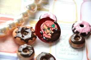 Brooch 4 by Rinnanine