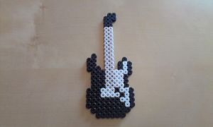 Guitarr for rocking by RavenTezea