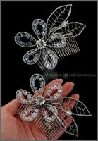 Bridal wirewrapped flower comb by Faeriedivine