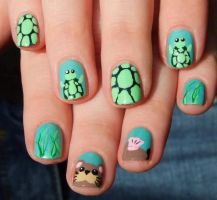 Sea otter and turtle nail art by Lyralein