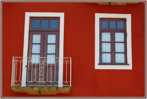 Red and White by FilipaGrilo