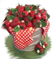 Strawberry Pail Cake by jwitchy65