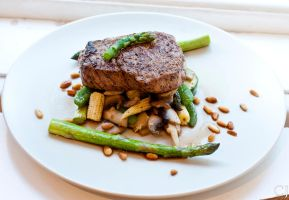 Tenderloin on a bed of vegetables by CJacobssonFoto
