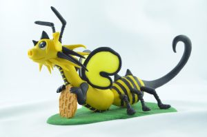 wasp dragon by claymeeples