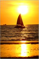 Mindil Beach sunset boats 1 by wildplaces
