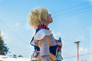 Blue Sky with Adri Shirou by DraconPhotography
