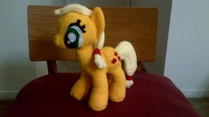 Applejack plushie finished by ManlyStitches