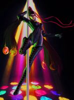 Dancing on a pole by missGangrel