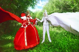 The Red Queen and the White King by Dantelian
