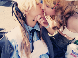 Fem!UsUk Cosplay #2 - A kiss for my angel by YamiMana
