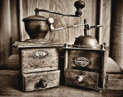 Old coffee grinders by Noncsi28