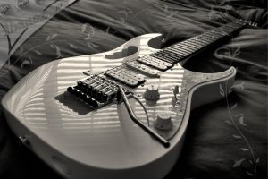 Steve Vai White JEM Ibanez by The-Rover