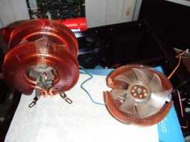 Zalman CNPS 9900A LED vs CNPS 7500Cu LED by PaulRokicki