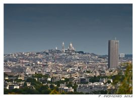 montmartre hill by bracketting94