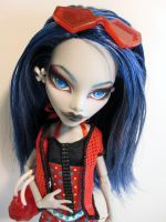 MH Custom - Gloom Beach Ghoulia by periwinkleimp