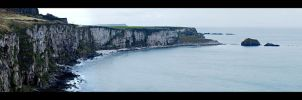 The shore at Carrick-a-rede by da-phil