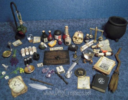 Altar Table Items - 1:12 Scale by DFLY847