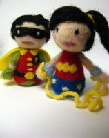 Tiny Wonder Girl and Robin by michelleness