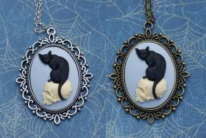 The Black Cat's Skull Necklace by foowahu-etsy