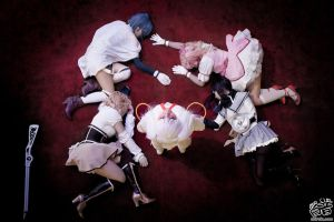 Madoka Magica: Fallen to Ruin by Astellecia