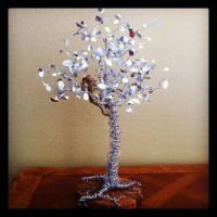 Wire tree with girl and apple by etodorut