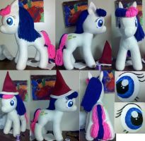 Bon Bon Plushie by mousenet
