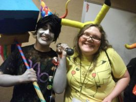 Cosplaying among cosplayers in a con by XoxPikachuxoX