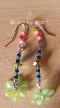 Green flowers earring by SilvieTepes