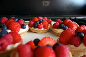 Summer fruit tarts by DaisyDEMOLITION