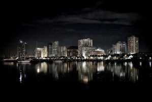 Roxas Boulevard at Night by rakstar