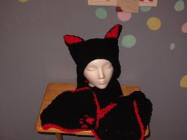 Black Red Cat Hat Scarf Set by MetoriasProjects