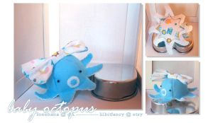 Baby blue octopus by LoneHana