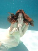 Erika Underwater 4 by rikasings
