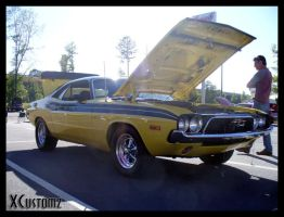 Dodge Challenger by xcustomz