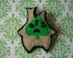 Wind Waker Makar Brooch by iggystarpup