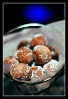 Powdered Donut Holes - Dessert by panfah