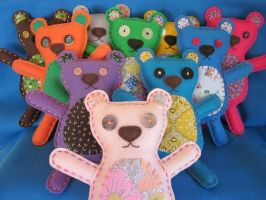 Felt Embroidery Teddy Bears by lovarevolutionary