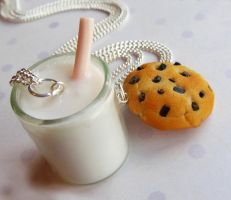 milk and cookie best friend necklaces by ScrumptiousDoodle
