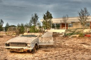 Old car 2,,,HDR by amai911