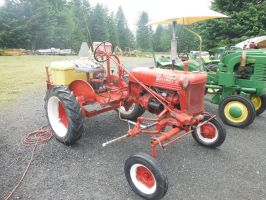 Farmall Sprayer by TomRedlion