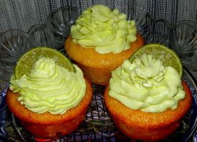 Coconut and Lime cupcakes by Diotima96