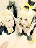 Kagamine. Mirror by Shin-Azu