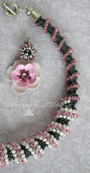 pink poppies and silver jewelry set by RinaKirishima